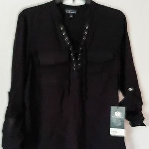 $48 NEW W/T WOMAN LACE UP POPOVER SIZE S